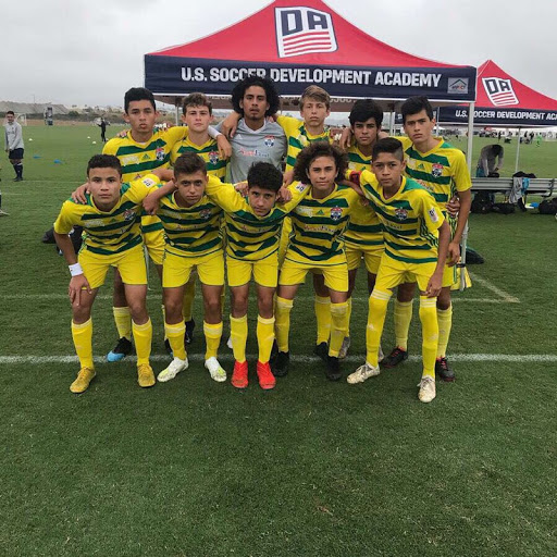 Traveling+to+the+other+coast%2C+Gio+Yacoviello+%28%E2%80%9823%29+and+his+soccer+teammates+went+to+California.+%E2%80%9CMy+personal+favorite+place+to+go+was+the+beach+in+California%2C+I+went+for+one+week+and+spent+time+with+my+teammates%2C%E2%80%9D+Yacoviello+said.+They+were+in+Southern+California+for+the+week+and+played+tournaments.+