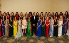 Above is the 2021 cast of the Bachelor.